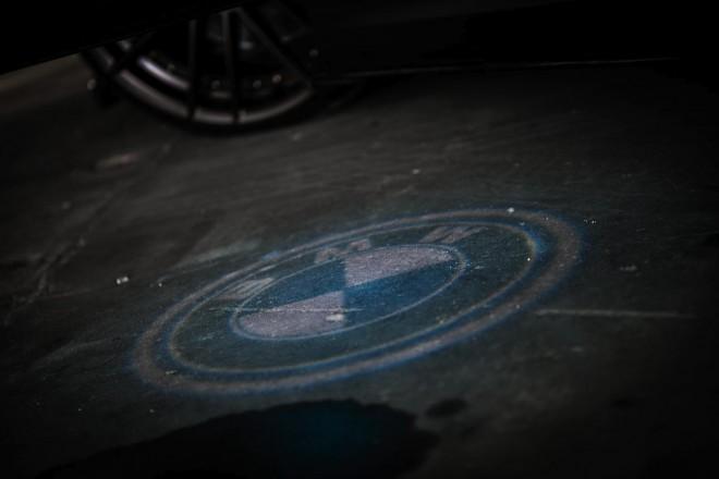 BMW kilépőfény