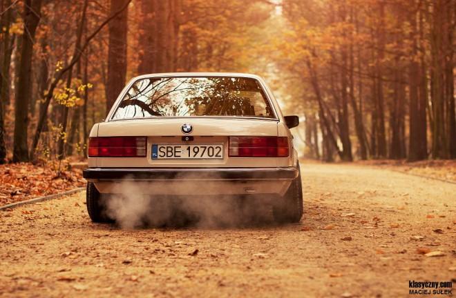 fehér BMW e30
