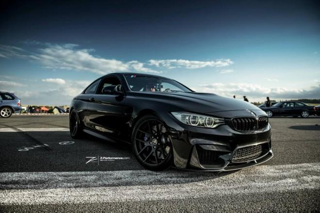 BMW M4, fekete