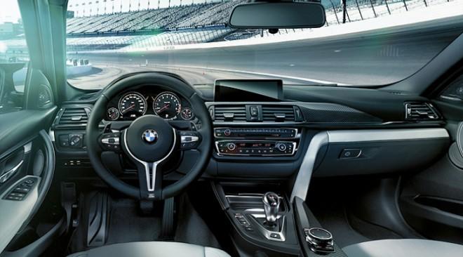 BMW M4 beltér, f82