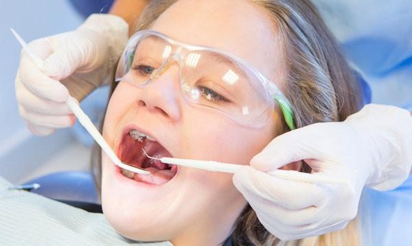 Fogászati kezelés fogorvos